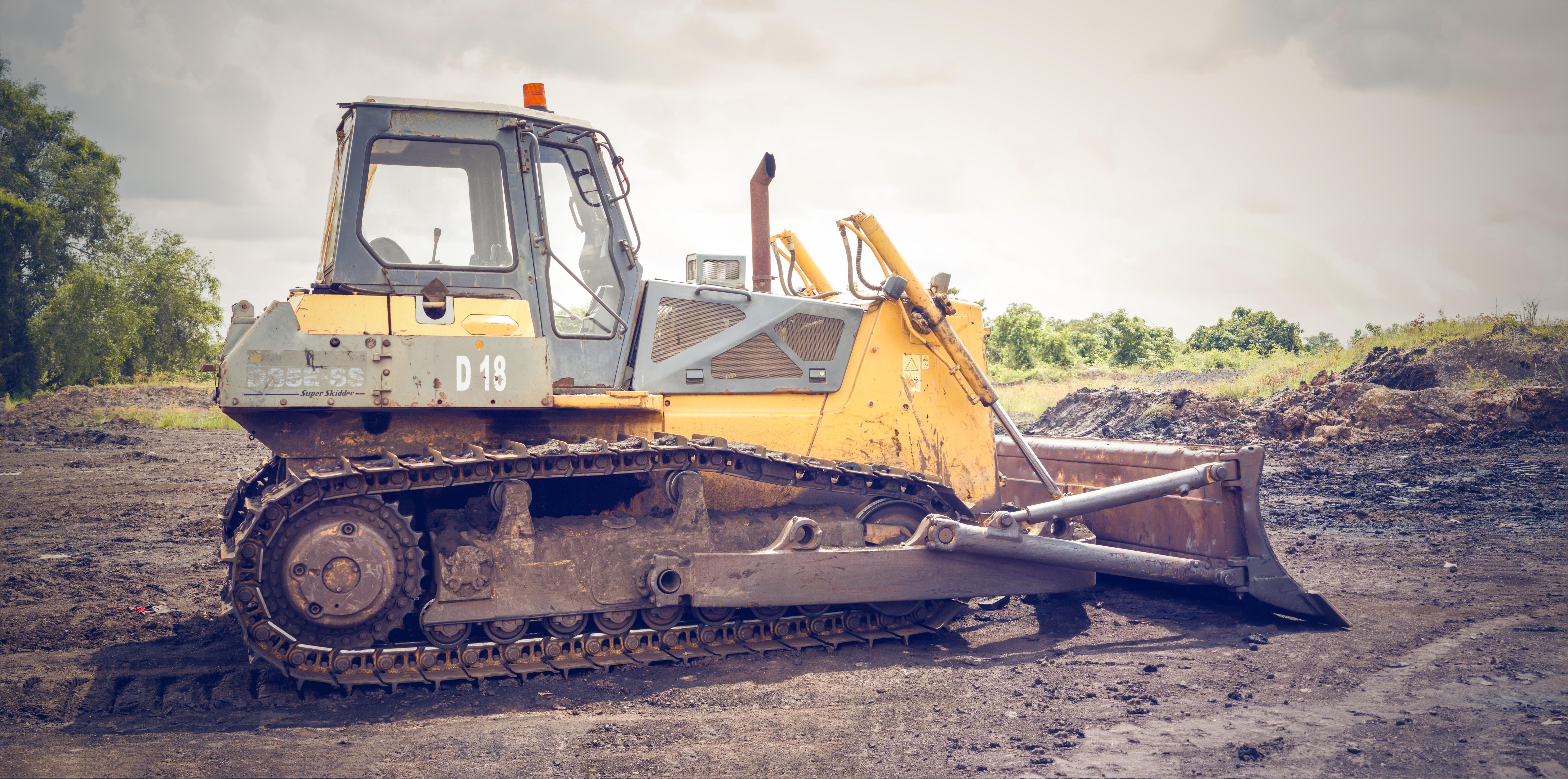 brown-coal-bulldozer-caterpillar-1009926